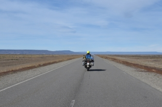 paved road to Chaltén