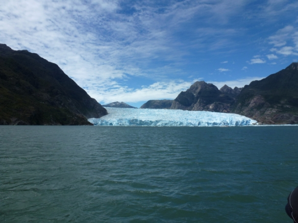 full pic of Glacier San Rafael